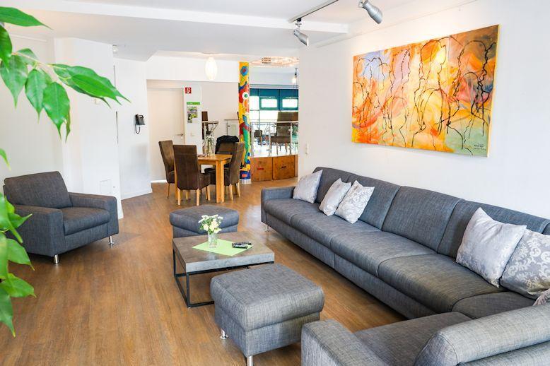 engagement_ronald-mcdonald-haus-leipzig-wohnzimmer